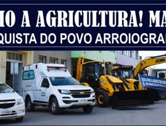 Governo Municipal entrega máquinas, caminhões