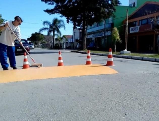 Prefeitura inicia pintura de sinalização de t
