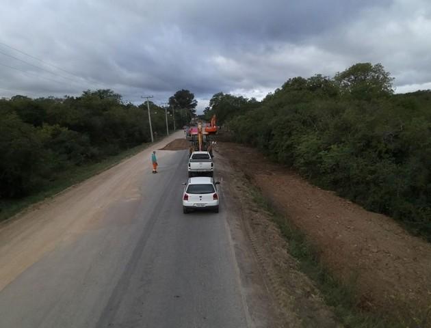 Iniciado o asfaltamento da Av Marcos Christ Filho