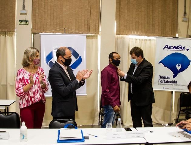 Vice-prefeito participa de reunião presencial da Azonasul